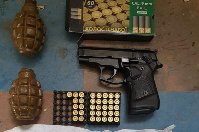 В Луганской области задержан иностранец, который наладил торговлю оружием