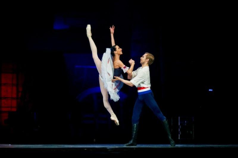 Солисты Новосибирского балета Екатерина Лихова, Никита Ксенофонтов. На выступлении 1 июля.