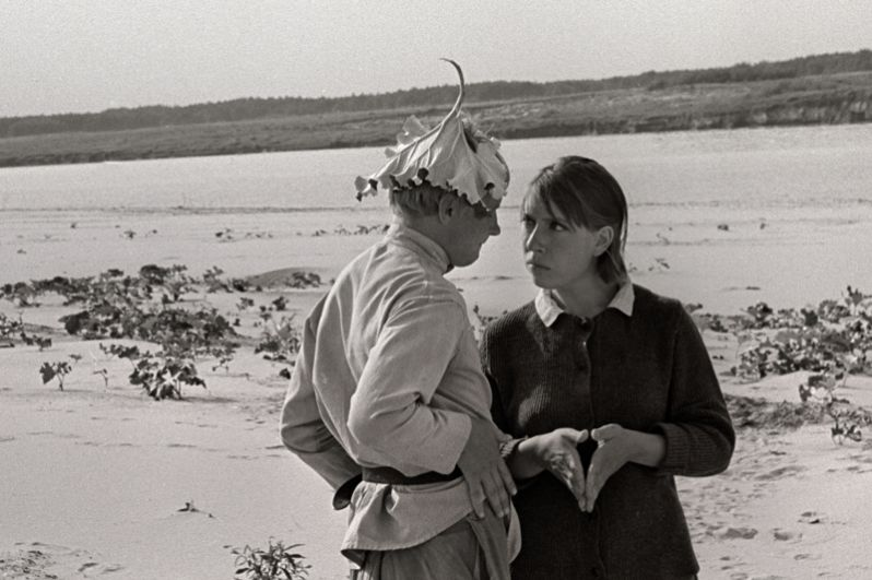 В 1966 году Панфилов начал работать на студии «Ленфильм» и снял свой первый художественный фильм — «В огне брода нет» о Гражданской войне. В 1969 году картина получила приз МКФ в Локарно.