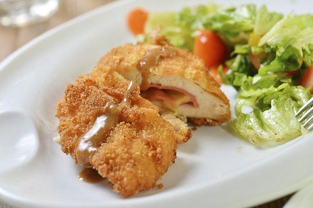Пермяки смогут бесплатно отведать необычные блюда - пирожные от Марселя Пруста, рыбу по-креольски от Скарлетт О`Хара и другие.