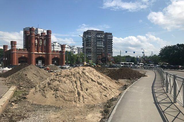 К 7 июня напротив Королевских ворот появится сквер