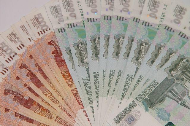 В расчёте на одного работника сумма просроченной задолженности равна 13,1 тысячи рублей.