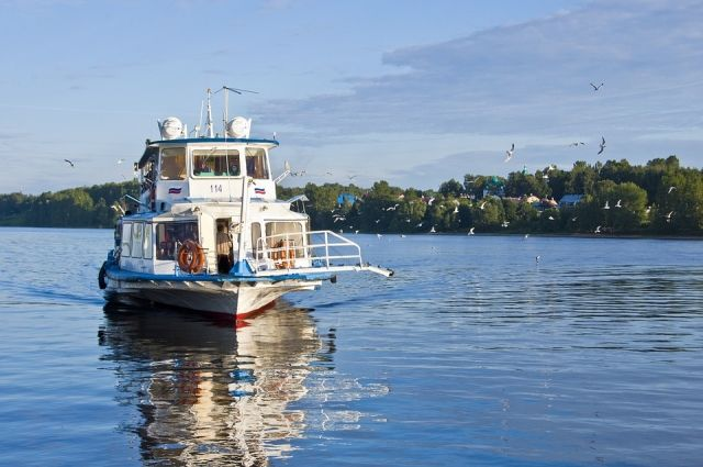 Теплоходы «Полесье» будут перевозить пассажиров по Лене три раза в неделю.