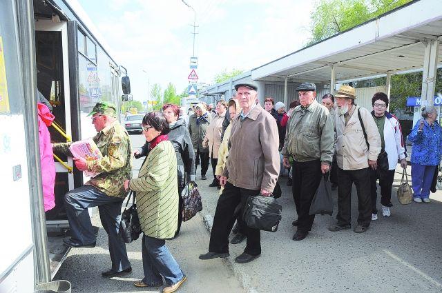 Дачные автобусы в Омске начали работать по «летнему» графику