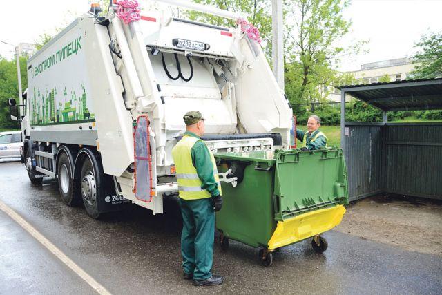 В отличие от своих предшественников новые мусоровозы работают тише и быстрее.