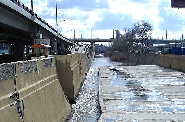 В середине 2000 годов чистить Темерник начали в районе устья, у главного автовокзала, то есть, фактически там, где река заканчивается.