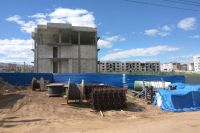 В «Окском береге» где-то стоят коробки будущих домов, где-то и фундамента ещё нет.