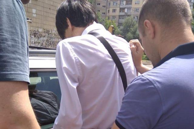 В Киеве мужчина «вербовал» детей для съемок в порно