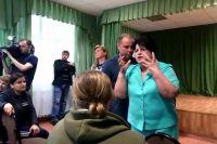 Собрание в школе станицы Медведовской, где училась «девочка-людоедка».