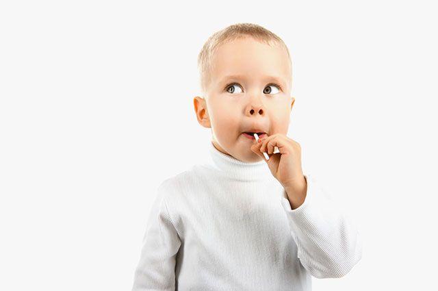 Чупа-чупс вместо соски. Врач о том, откуда у детей болезни и лишний вес