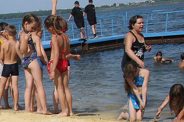 Организация отдыха и оздоровления детей запланирована как на территории Коми, так и за её пределами, в том числе на базах Черноморского и Азовского побережьях.