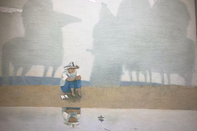 Картина «Зов предков» хранится в семье художника. Мальчик, изображённый на ней, - сын мастера Арсалан.
