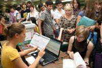 После экзаменационной кампании начнут работать приёмные комиссии в вузах.