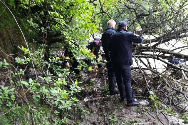 Закарпатские спасатели нашли тело мальчика, которого унесло течением реки