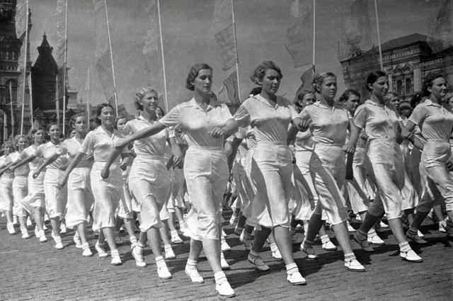 Парад физкультурников на Красной площади. 1936 г.