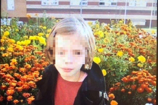 Приметы девочки: рост 140-145 сантиметров, волосы тёмно-русые.