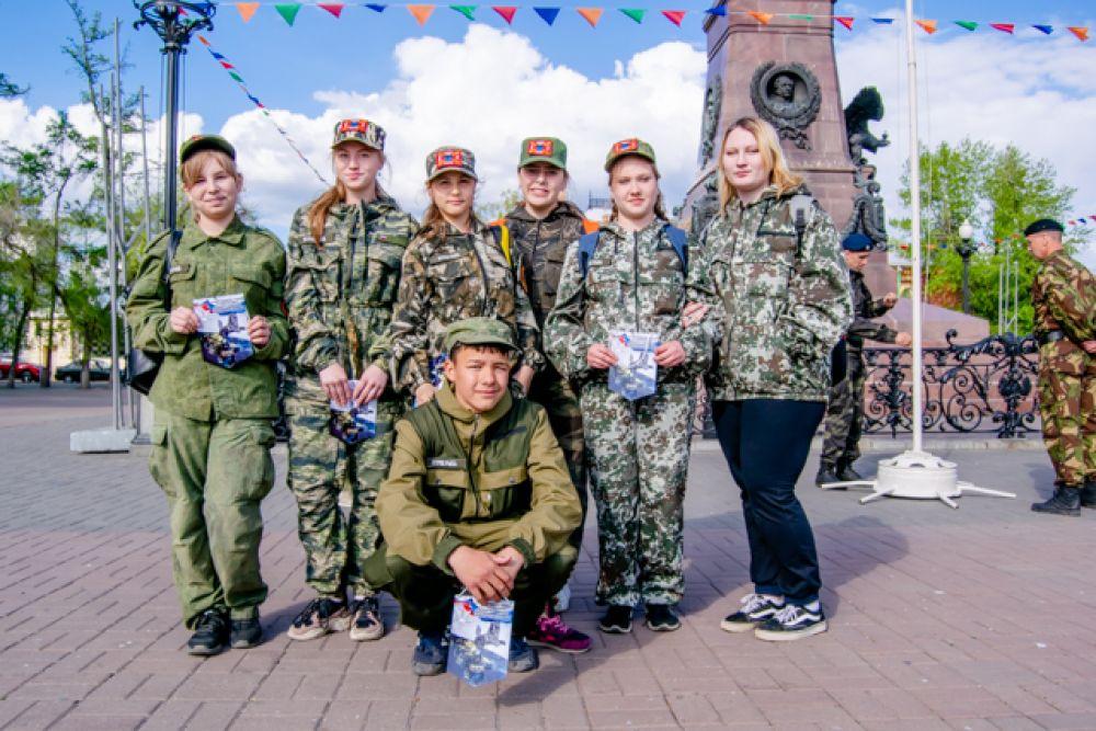 Среди курсантов была и почти женская сборная отряда Рысь с единственным парнем - Андреем. Ребята мечтают связать свою жизнь со службой