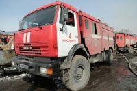 После того, как пожарные ликвидировали возгорание, на месте пожара были обнаружены тела троих погибших детей — девочек восьми месяцев и двух лет и мальчика трех лет.