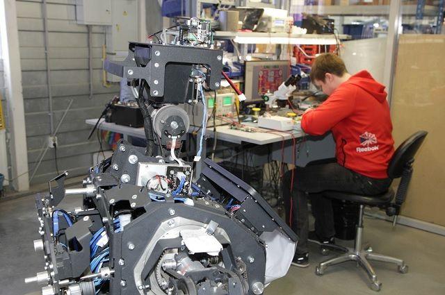 Создание робота - процесс не быстрый.