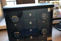Часы, найденные при обыске у Сергея Сидаша.