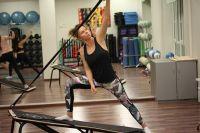 Базовые функциональные тренировки с собственным весом можно разнообразить с помощью специального оборудования.