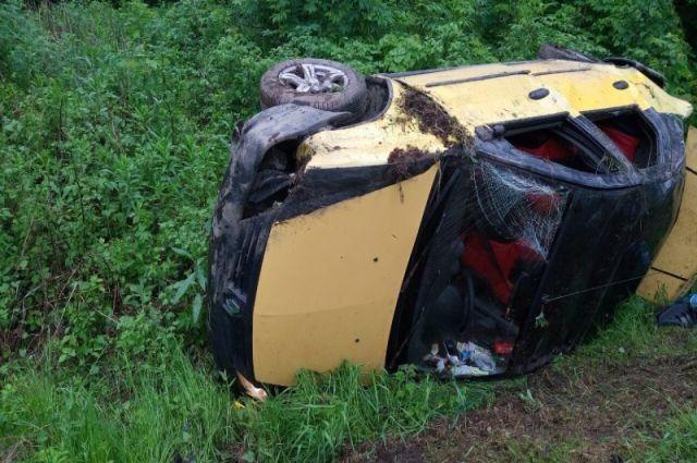 На дороге «Холмогровка-Коврово» перевернулся автомобиль неопытного водителя