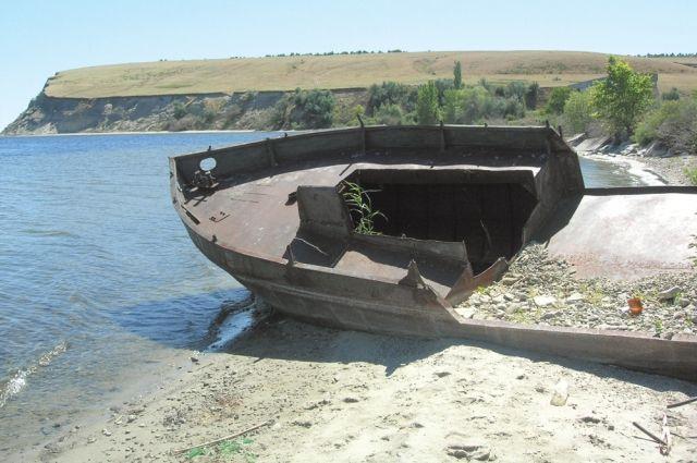 Старожилы опасаются, что Волга повторит судьбу Аральского моря.