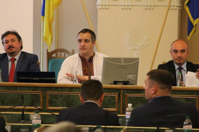Львовские депутаты призвали Зеленского отказаться от русского языка