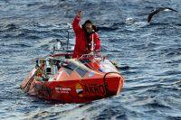 На этой лодке Фёдор Конюхов пережил 100 дней штормов в «ревущих сороковых» и «неистовых пятидесятых» (в том числе шторм в 12 баллов), четыре оверкиля и «космическое» одиночество в «точке Немо».