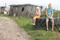 Многие новосибирцы категорически против детских лагерей и отправляют их на лето в деревню к родственникам.