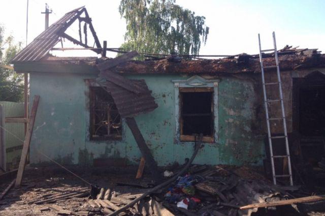 В Орске на пожаре 10-летняя школьница спасла  маленького брата
