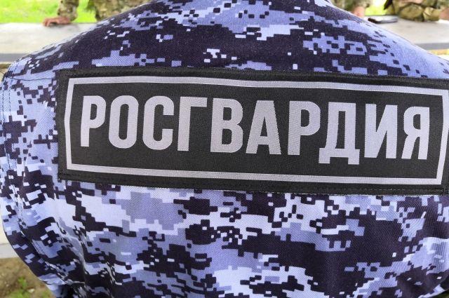 В Советске росгвардейцы задержали мужчину, ударившего топором соседку