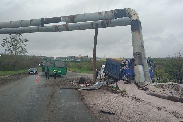 Авария произошла утром в Соликамске.