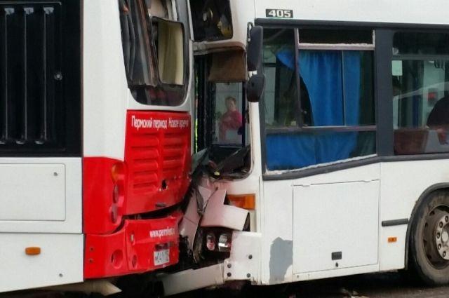 В ближайшее время следователи проведут изъятие документации, в том числе свидетельства о регистрации транспортных средств, страховые полисы, путевые листы, а также данные по последнему техническому осмотру автобусов.