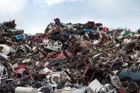 Возле домов по улице Центральной в Чернореченском образовалась несанкционированная свалка отходов.