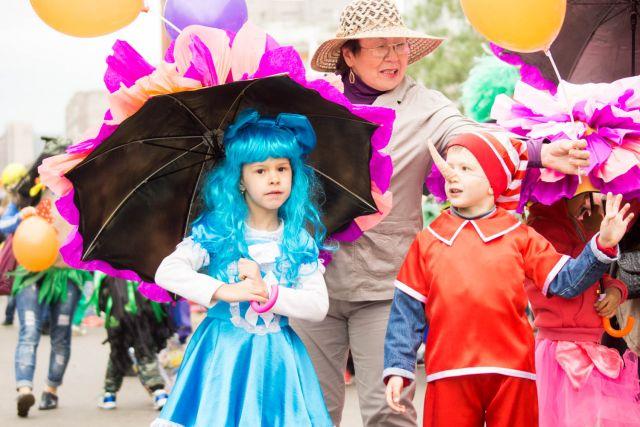 Для детворы Красноярска организаторы подготовили разнообразные развлекательные мероприятия, объединенные общим названием «Берег детства – Фэнтези град»