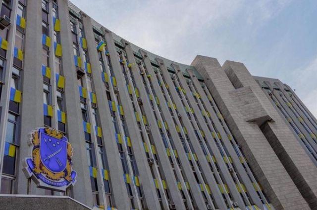 Депутаты Днепра попросили у Зеленского денег на ремонт аэропорта