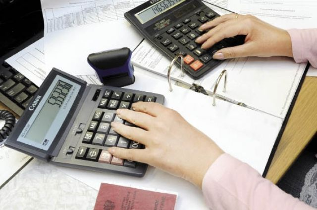 Консультатнты обещают пенсионерам, что  помогут увеличить их выплаты.