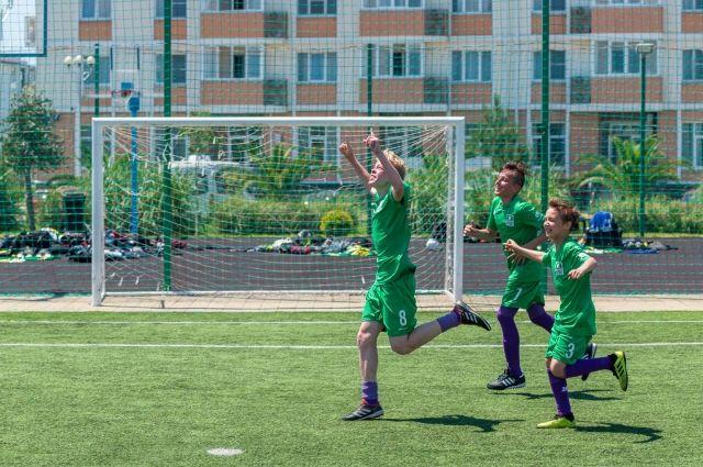 Красноярским футболистам второе место досталось в тяжелой борьбе.