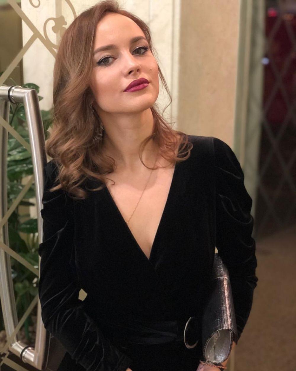 Анастасия Исламова, 25 лет. Премиум-менеджер по работе с VIP-клиентами в «Альфа-банке». Хобби: путешествия.
