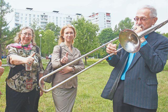 Они разгадали секрет вечной молодости. Оказывается, всё просто: это общение, дружба, творчество, спорт в«Московском долголетии».