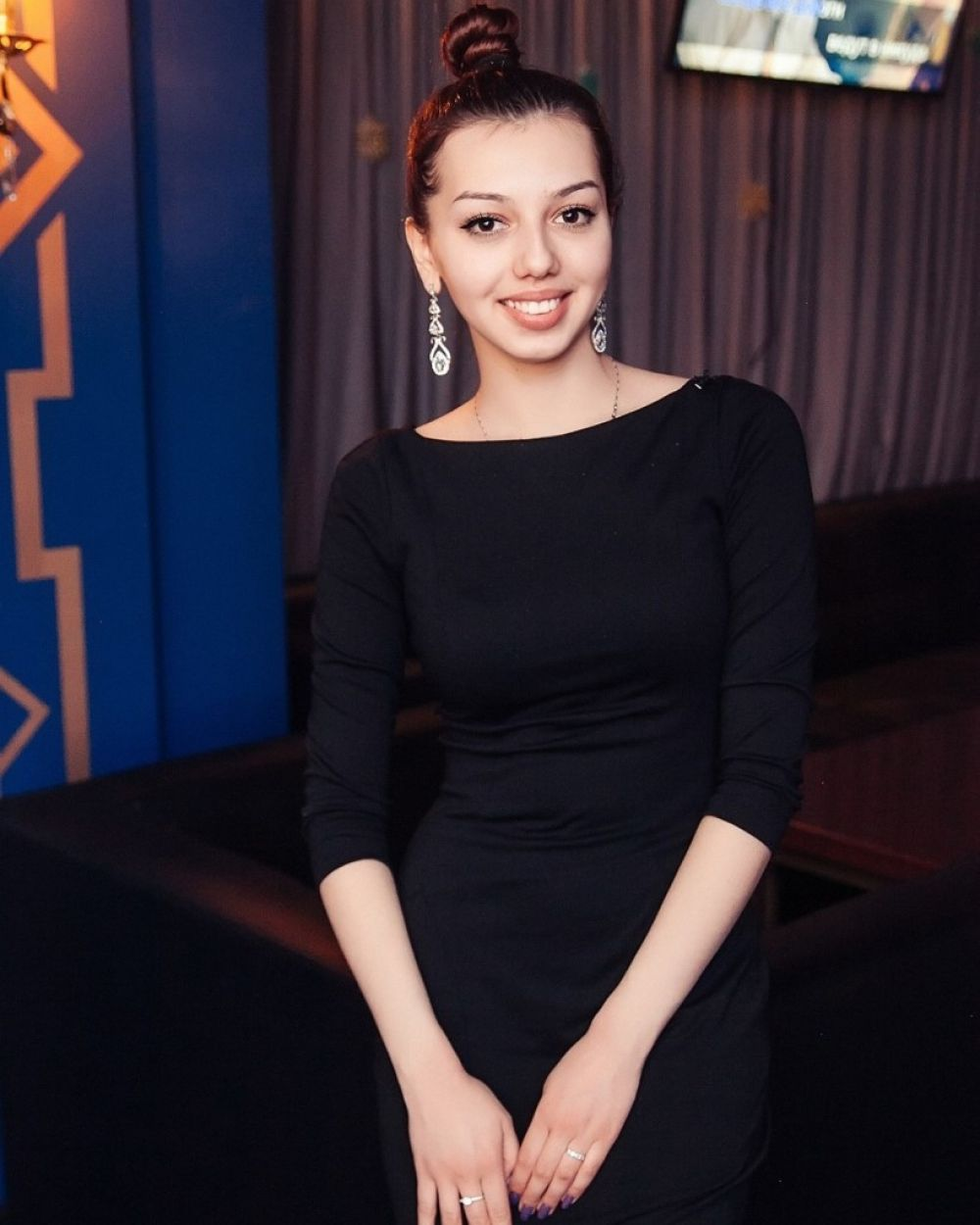 Александра Малинова, 21 год. Менеджер в «Урал Карго». Хобби: аэройога, танцы, чтение книг.