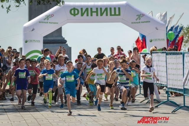 Оренбуржцы в шестой раз пробежали «Зеленый марафон»