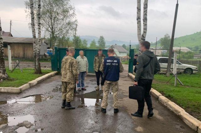В Черновицкой области трое пограничников попались на взятке в 45 тысяч грн