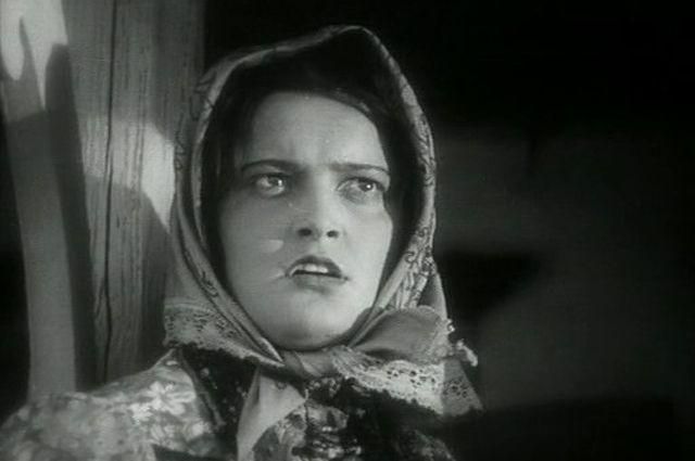 Эмма Цесарская в фильме «Тихий Дон» (1930)