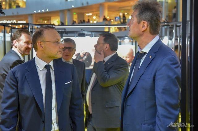 Глава Русской медной компании Игорь Алтушкин (слева) и генеральный директор УГМК-холдинга Андрей Козицын.