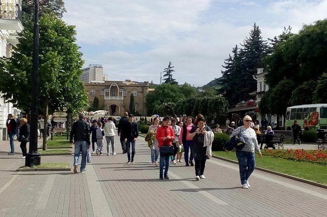 На Курортном бульваре Кисловодска всегда многолюдно.