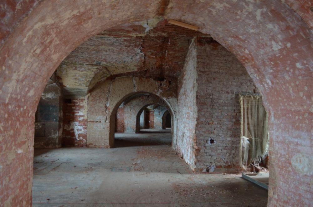 Форты планируют открыть для туристов. Пока они в таком состоянии.