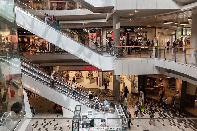 В торговом центре Ижевска полгода жил иностранец