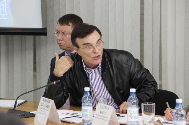 До того как стать народным избранником, Александр Максимов был гендиректором ферросплавного завода в Новокузнецке.